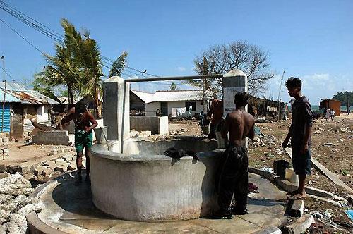 廃墟の漁村でかろうじて残った井戸