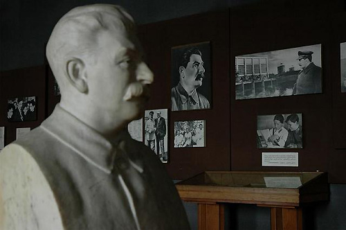 スターリンは出身地のグルジア・ワインを好んだ。ゴリ市のスターリン博物館。