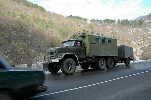 グルジア軍用車両(筆者撮影)