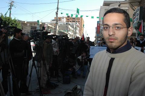 「アルアクサTV」のバハ・アルグール記者(筆者撮影)