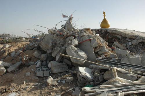 モスクはダイナマイトで破壊され跡形もない
