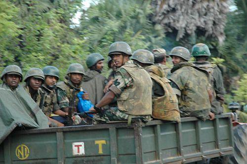 タミル・タイガー支配地域に向かう政府軍