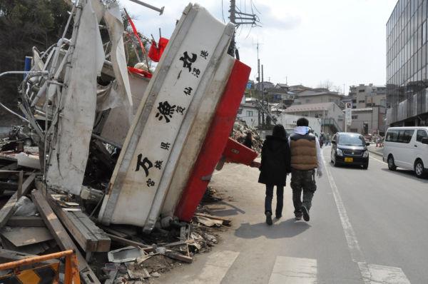 2人共たまたま気仙沼を離れていたため、津波には巻き込まれなかったが、家は津波に流された。(4月2日、宮城県気仙沼市。写真:筆者撮影)