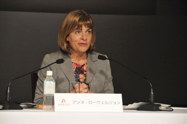 仏アレバ社のアンヌ・ローベルジョンCEO。日本の原発市場への本格参入を目指す野望をのぞかせた。(19日、港区のホテルで。写真:筆者撮影)