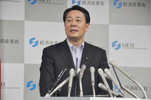 海江田経産相。今回の事故をめぐる国の責任を強調した。意図するものは・・・ (17日夕、経産省。写真:筆者撮影)