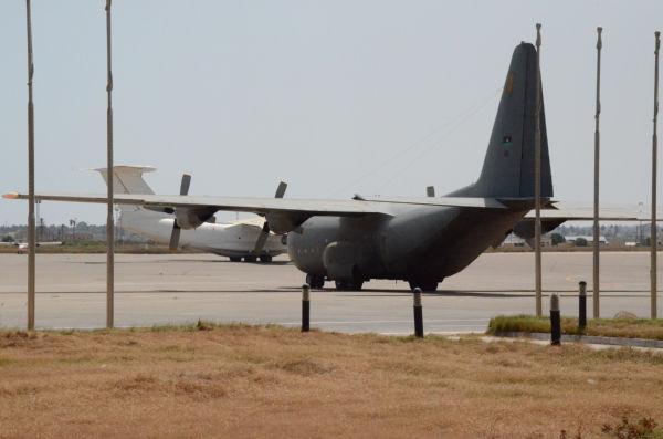 マイティガ空軍基地。2月、内戦が始まるとアフリカ諸国から連日、傭兵が運びこまれた。(トリポリ。写真:筆者撮影)