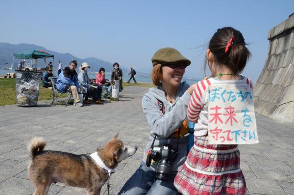 びわ湖が放射能汚染されるようなことにでもなれば、子供たちの未来はない。。=撮影:筆者=