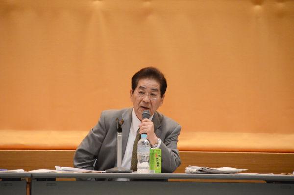仙谷政調会長代理は夏の電力不足を強調し、原発再稼働の必要性を説いた。=14日、福井県自治会館。写真:筆者撮影=
