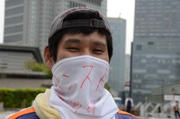 「このハンストが原発廃止を求める大衆運動のきっかけになってほしい」と瀬下さんは話す。=写真:筆者撮影=