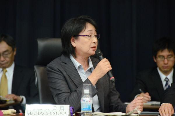 「東電はプルサーマルも地震も大丈夫だと言ってきた」。福島代表の蜂須賀禮子委員は東電の無責任な対応を批判した。=写真:筆者撮影=