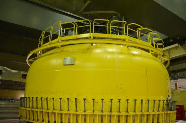 =格納容器のフタ。原子炉建屋6階。 写真:田中撮影=