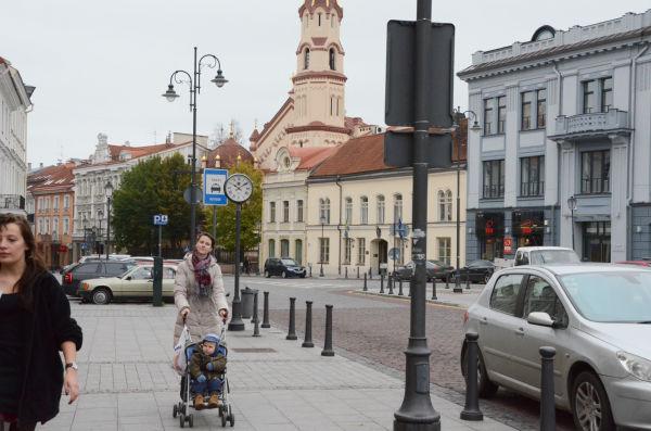 国民投票で原発建設反対多数が確定して間もないリトアニアの首都ビリニュス=15日午前10時(日本時間午後4時)、旧市街地。写真:諏訪撮影=