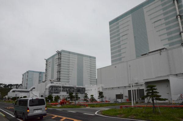 =原子炉建屋。東電福島第2原発、福島県楢葉町。 写真:田中撮影=