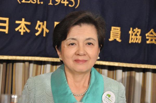 今年6月、嘉田知事は国と関電に脅されて「大飯原発の再稼働」を容認したことを暴露した。=6月13日、日本外国特派員協会。写真:田中撮影=