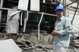 イスラエル軍の砲撃で破壊された主力の発電機。=28日、ヌーサイラート市 写真:筆者=