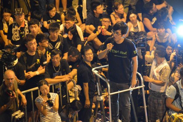 周永康・大学生聯会事務局長の一言一句に参加者は歓声をあげた。=昨年10月、香港 写真:筆者=