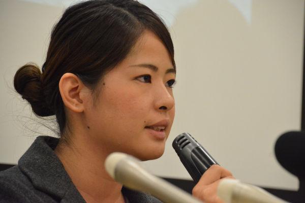 沖縄の大学生、玉城愛さん。辺野古の基地建設は「怒りをおぼえる日々」と険しい表情で話した。=6日、参院会館 写真:筆者=