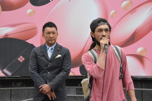 「3年前から山本太郎を一人にしてはいけないという一念だった」。=14日、渋谷ハチ公前 撮影:筆者=