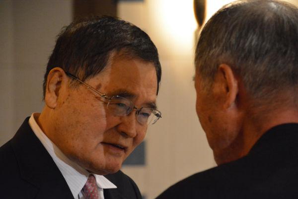 亀井氏は記者会見後、死刑制度維持派の記者に詰め寄られたが、諄々と諭した。=6日、日本外国特派員協会 撮影:筆者=