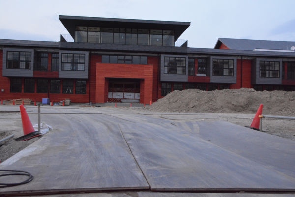 工事が止まった安倍晋三記念小学校。木村議員の追及が不正に「待った」をかけた。=13日、豊中市 撮影:筆者=