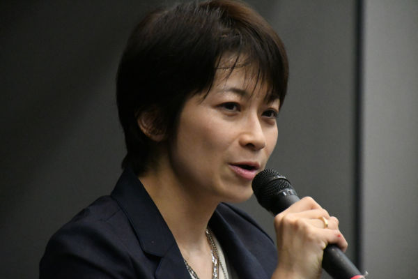 望月衣塑子記者。政治部ではなく社会部の所属だ。東... 権力監視 ― メディアの使命果たす東京新