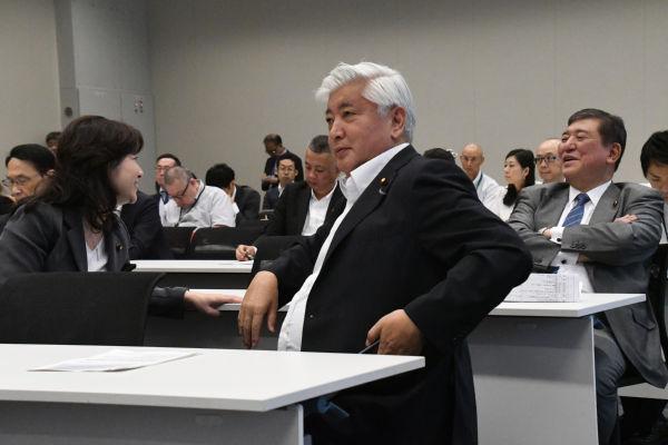 左から野田聖子、中谷元、石破茂議員。写真と本文とは関係がありません。=15日、衆院会館 撮影:筆者=