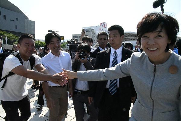 山本太郎議員は昭惠夫人に「公開討論会をしましょう」と呼びかけた。討論会の相手はもちろん夫君の安倍首相だ。=10日、下関市 撮影:筆者=
